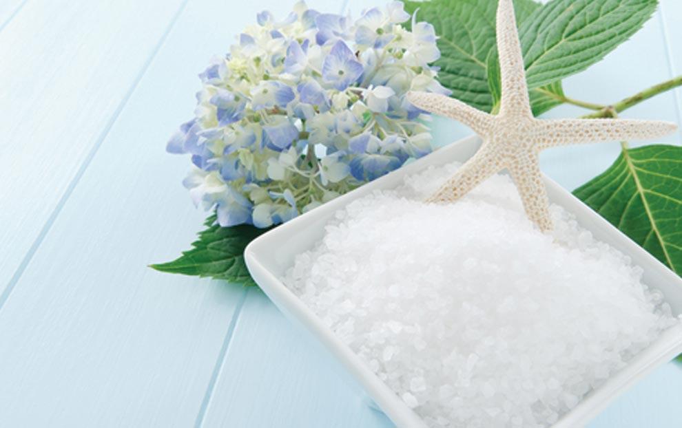 7  مزیت آب و نمک دریا را بدانید !