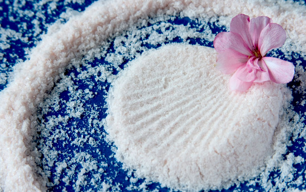 7 فایده نمک دریا برای عروس خانمها