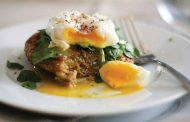 کیک کینوا و تخم مرغ آبپز