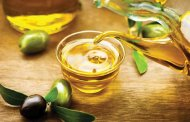 7 دلیل خوب برای مصرف بیشتر روغن زیتون