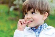 علت و روشهای درمان ناخن جویدن در کودکان