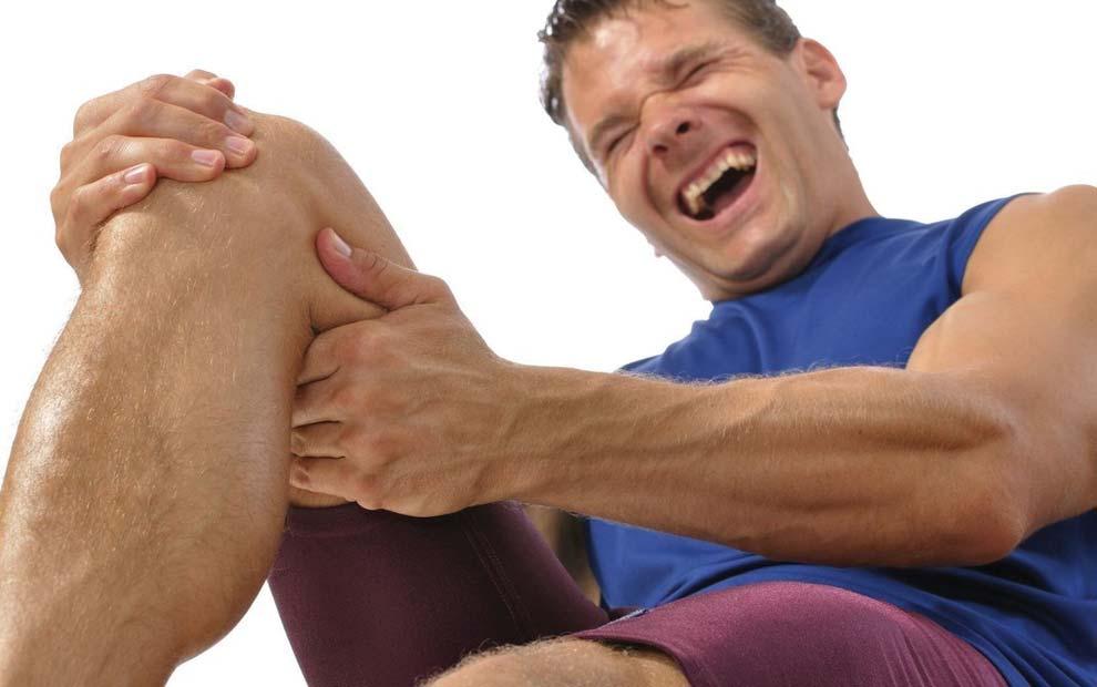 گرفتگی عضلات پا و راه های درمان آن
