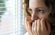 5 نشانه عجیب که نشان می دهد بیش از حد مضطرب هستید