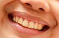 تغییر رنگ و زرد شدن دندان از چیست؟