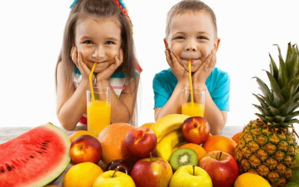 از دادن این غذاها به کودکتان در یک سال اول خودداری کنید