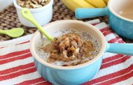 صبحانه کینوا (با ترکیبات موز، آجیل و غلات)