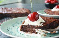 کیک شکلاتی با گندم سیاه